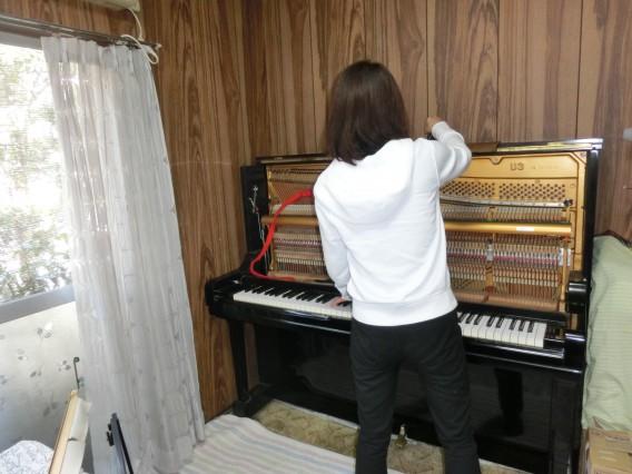 ピアノ調律の様子