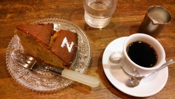 コーヒーと手作りケーキ